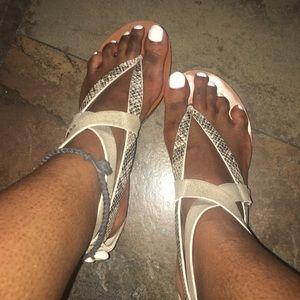 Vince Camuto Thong Sandals - Sz 7.5